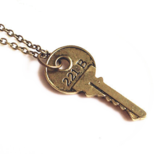 Necklace Key Round Gold - Budget Line