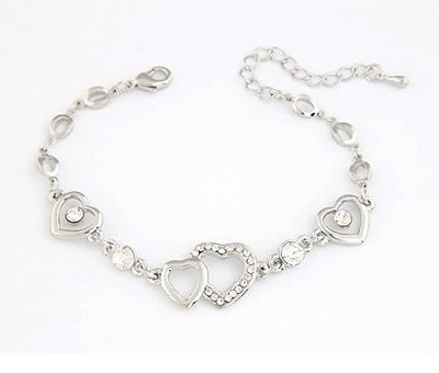 A Silver Fantasy Heart Bracelet