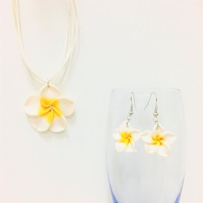 Hawaiian Flower Set white