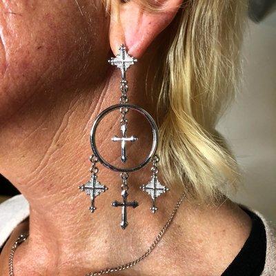 Cinq Crosses